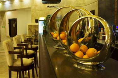 کافه مارین (فضای داخل)