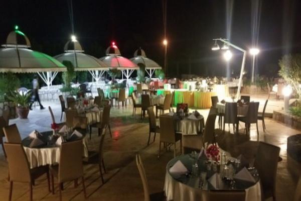 رستوران باغ(گل کاغذی)